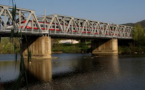 Ponte ferroviario sull'Arno