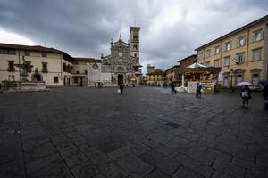 Pioggia in Piazza Duomo