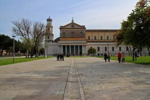 La piazza più grande di Roma…….quella di S.Paolo.