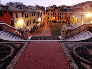 La piazza della Basilica…..