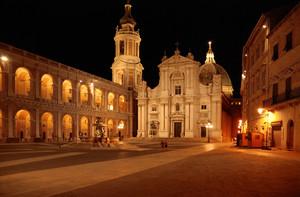 Piazza della Madonna by Night