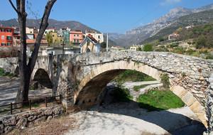 Ponte medievale sul torrente Varatella