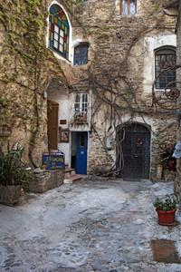 Una piazzetta di Bussana Vecchia.