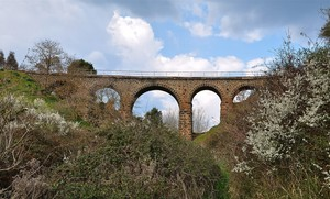 Ponte nella campagna