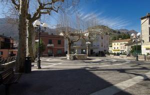 Una piazza sola