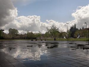 La piazza di Via Alli Maccarani a Brozzi