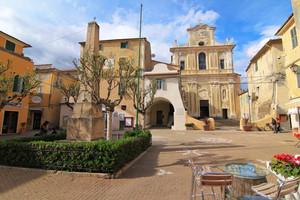 Riva ligure, piazza Matteotti