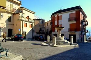 E' finito il pane ! – Piazza Municipio – San Vittore del Lazio