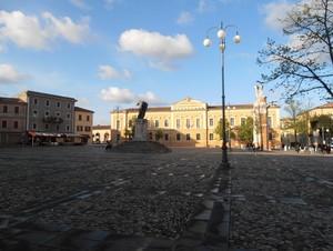 Luce sulla piazza