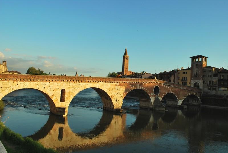 ''La fortuna di poter godere di un romantico tramonto a Verona'' - Verona