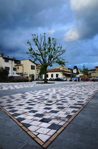 Una nuovissima vecchia piazza