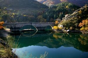 Il ponte che porta a l'eremo