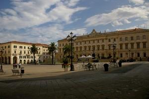 Una bella piazza di Sassari
