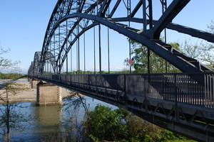 Ponte in ferro sul Po