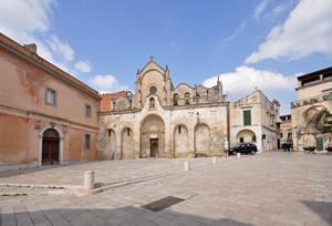 la suggestiva piazzetta San Giovanni