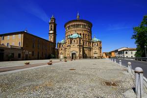Il piazzale di Santa Maria della Croce