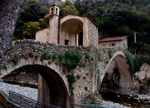 il ponte e la chiesa