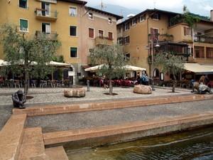 Piazza Magenta sotto l'acqua