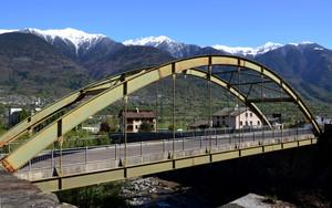 Un ponte tra Colorina e Fusine