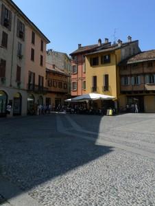 Una piazza medievale