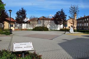 Piazza G.Manzone