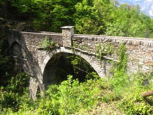 ponte sul rio Graglia
