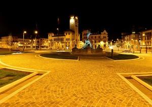 Piazza Carli in versione notturna (Perchè Carli vedi didascalia)
