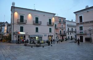 Piazza Luigi Rovelli sul far dell sera