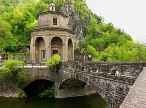 il ponte per il santuario