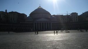 Raggi di luce su Piazza Plebiscito