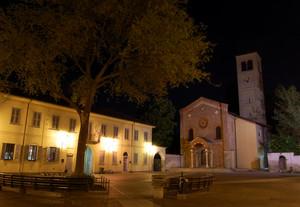 Piazza della Chiesa Vecchia a San Pietro all'Olmo