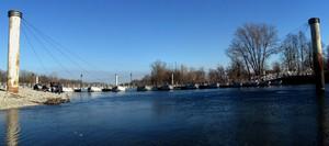 Il ponte delle barche e l'azzurro Ticino