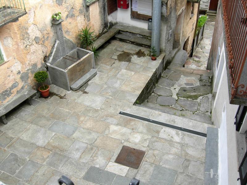 ''Piazza Fontana (vulgo squarata)'' - Cavaglio-Spoccia