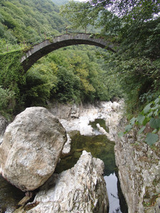 Antico ponte in Valle Strona 2