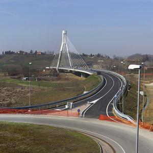 Nuovo ponte a Nizza Monferrato.