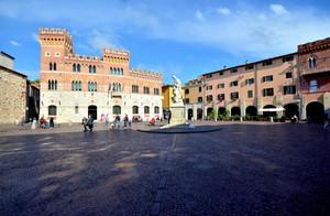 Piazza Dante dopo il temporale…