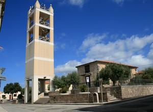 Piazza con campanile