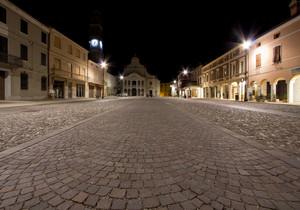 La notte in Piazza Libertà