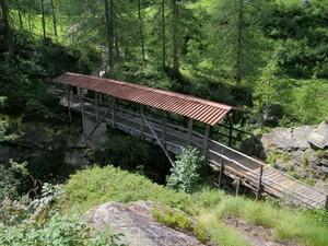 Ponte di legno sul Sesia