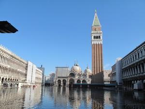 Acqua alta a San Marco.