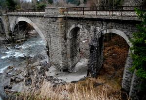 Il vecchio ponte della ferrovia