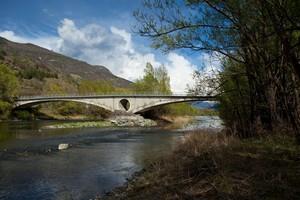 Il ponte col buco..