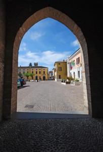 Entrata in Piazza Castello