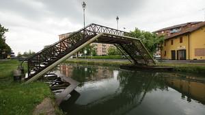 passaggio sul canale