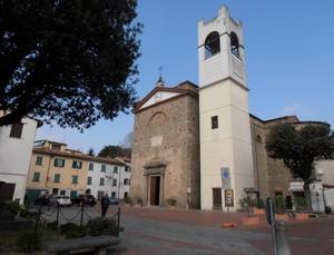 La piazza di Chiesina