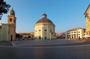 Loano, piazza Italia