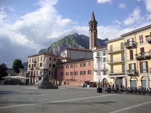 la piazza dedicata a M. Cermenati