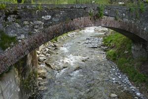 volta in mattoni del ponte di Roaschia