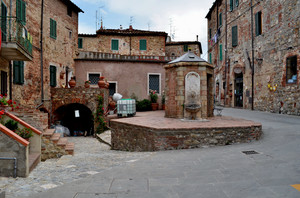 La Piazzetta della Cisterna