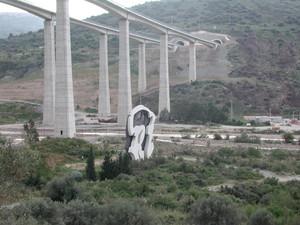 L'autostrada e Consagra
